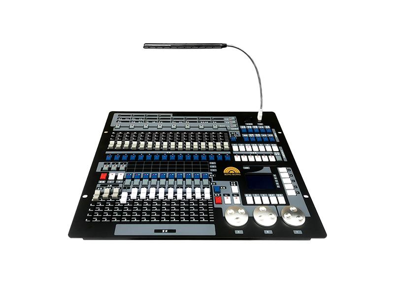 1024通道DMX512调光台 KM-T1024