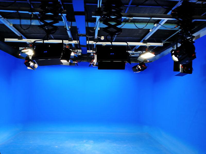 改造+新建120㎡校园演播室,国防大学电视台灯光项目