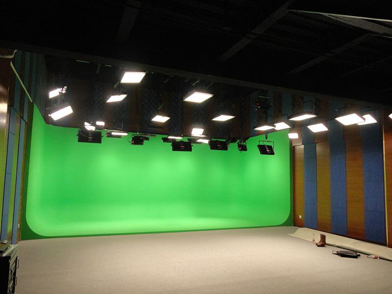 香港卫视合作北京新闻中心电视台演播室灯光项目