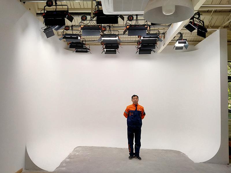 """三个虚拟演播室""""上海E仓创意产业园灯光项目"""""""