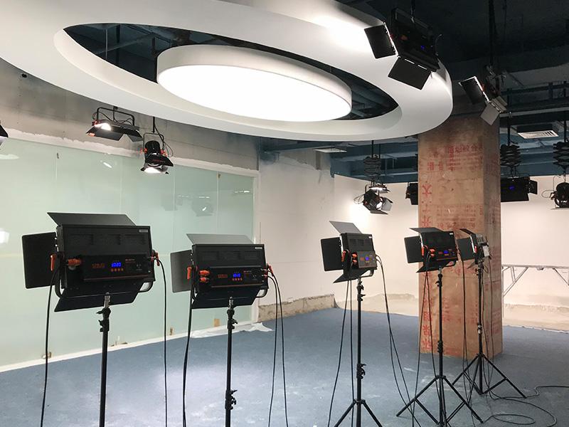 深圳税务局演播室灯光安装项目