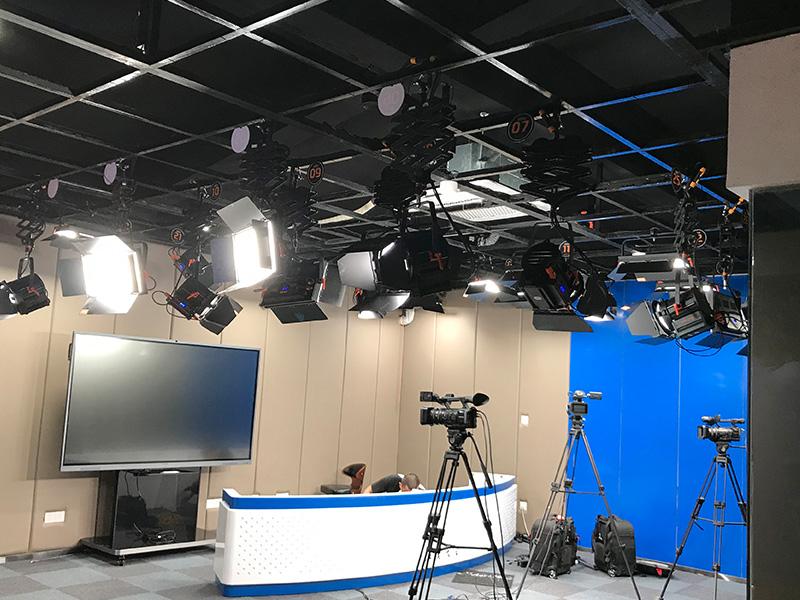校园演播室灯光工程-江汉大学