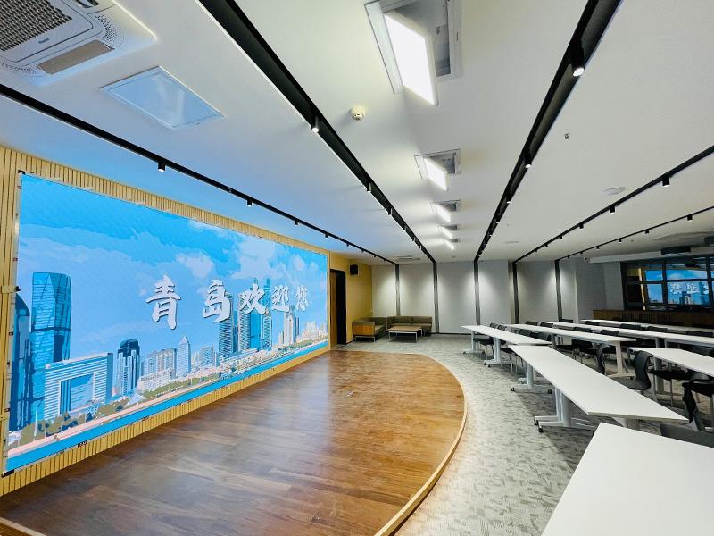 青岛全景路演会议室灯光项目