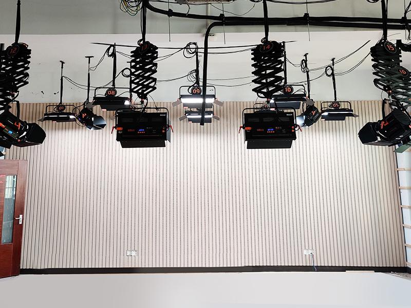 小型校园演播室灯光设计案例赏析