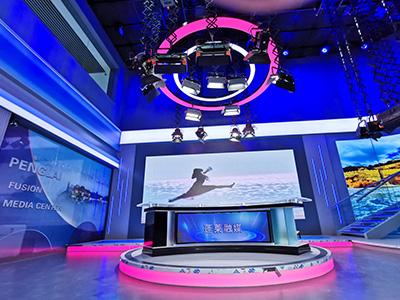 蓬莱广播电视融媒体中心157平新闻访谈演播室灯光